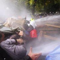 Wasserwerfereinsatz im Schlossgarten